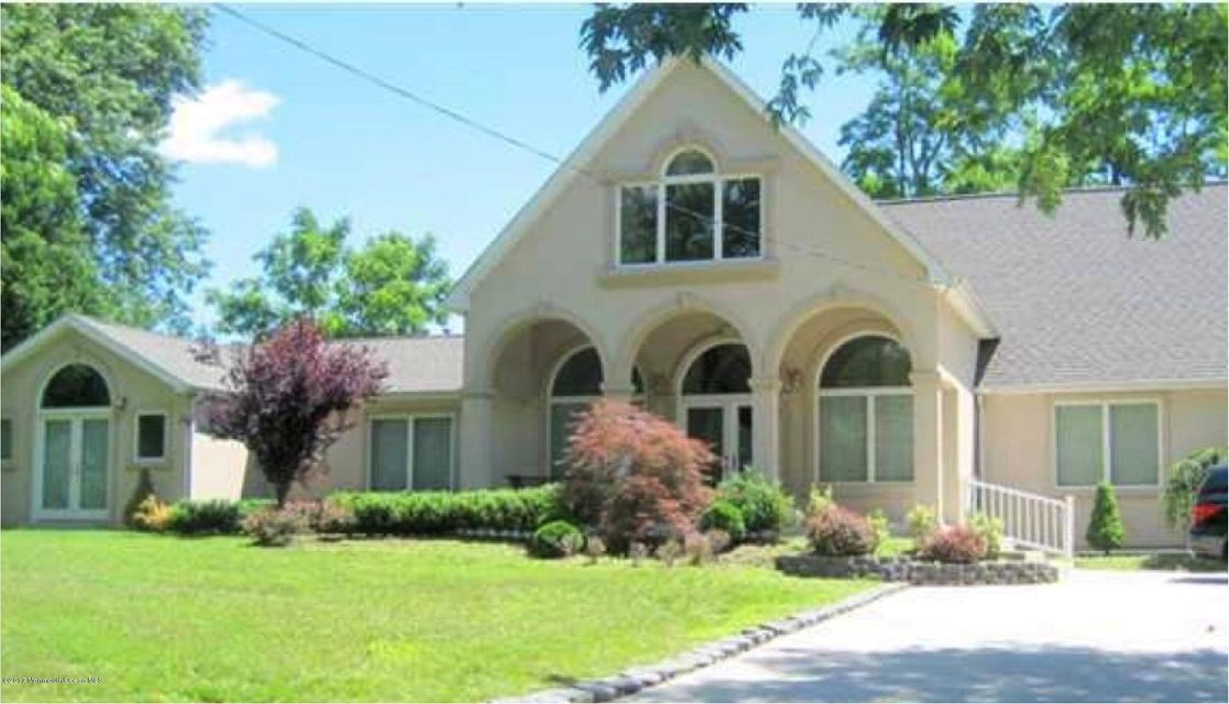独户住宅 为 销售 在 482 Monmouth Road 朗布兰奇, 07764 美国