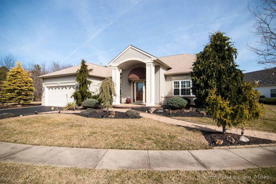 独户住宅 为 销售 在 12 Ferrara Court 曼彻斯特, 08759 美国