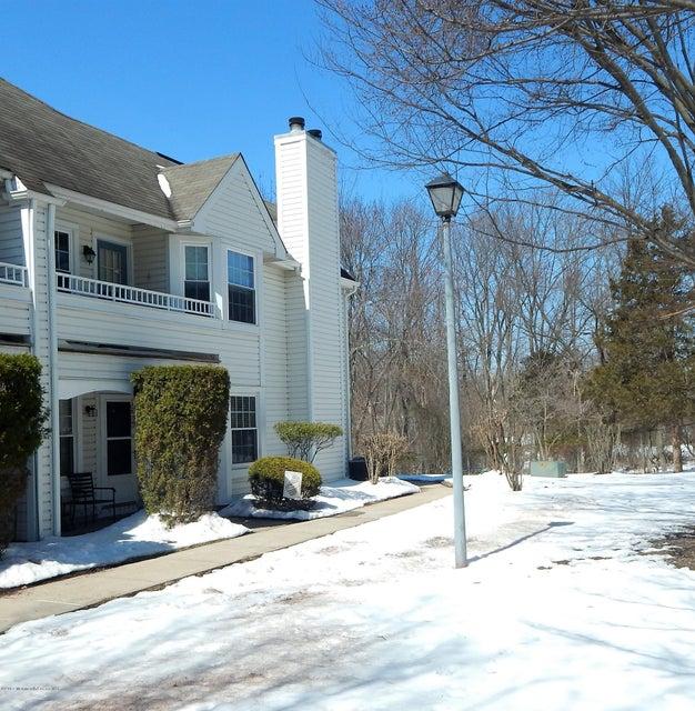 独户住宅 为 销售 在 48 Oswestry Way Franklin, 新泽西州 08873 美国