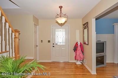 Maison unifamiliale pour l Vente à 88 Redfern Road Eatontown, New Jersey 07724 États-Unis