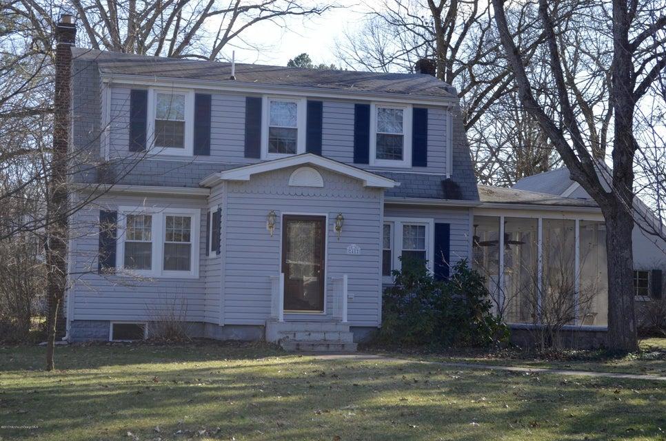 Maison unifamiliale pour l Vente à 48 Elm Street Spotswood, New Jersey 08884 États-Unis