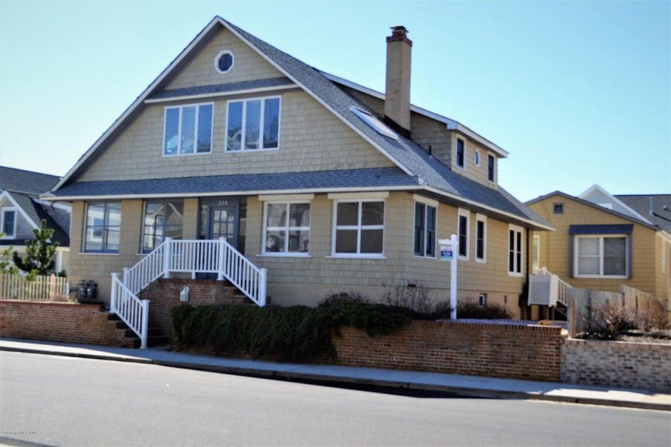 独户住宅 为 销售 在 228 East Avenue 湾头, 08742 美国
