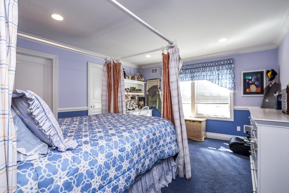 33_Bedroom-4