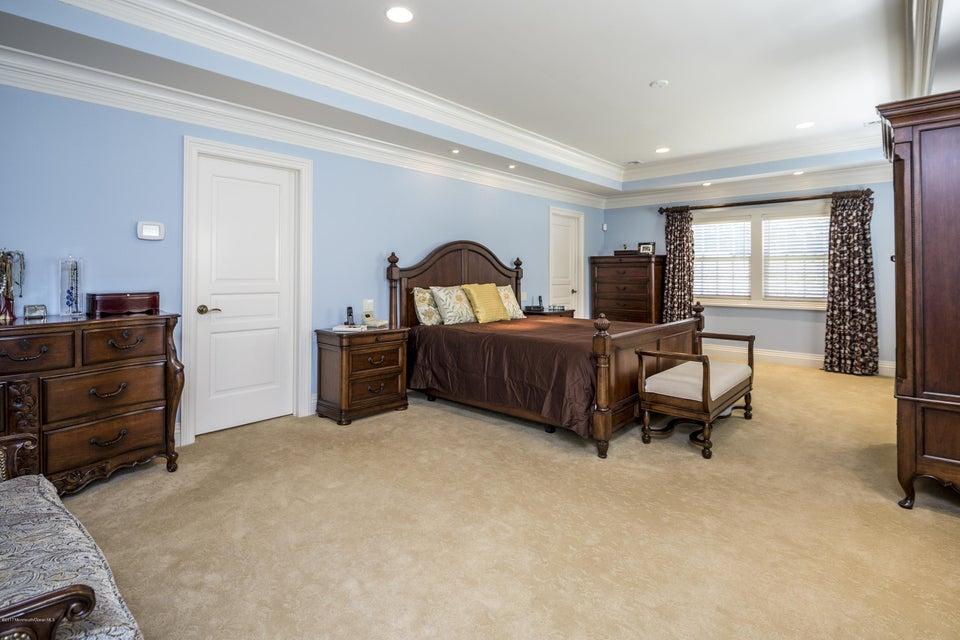 38_Master Bedroom-3