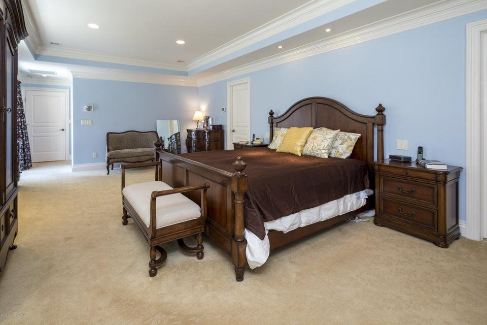 39_Master Bedroom-4