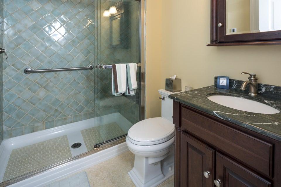 43_Bathroom-5