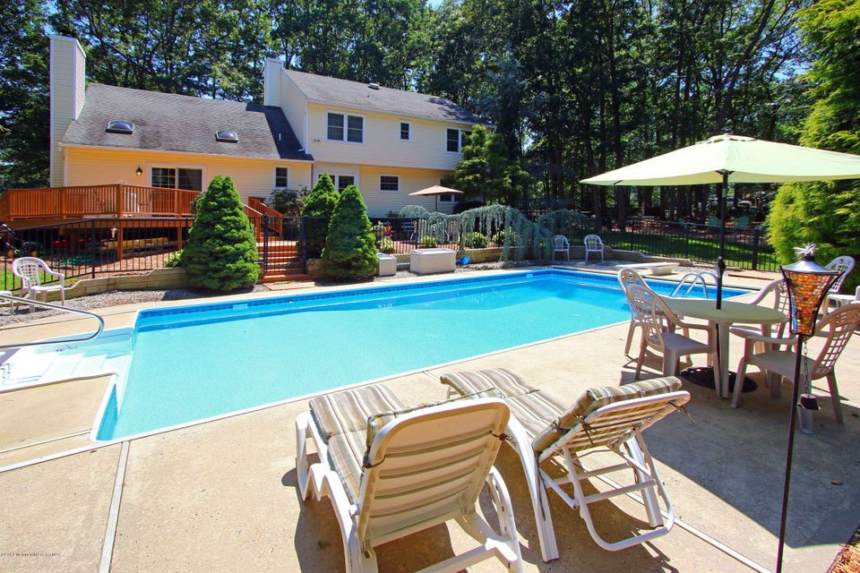 Single Family Home for Sale at 671 Kings Highway Leonardo, New Jersey 07737 United States