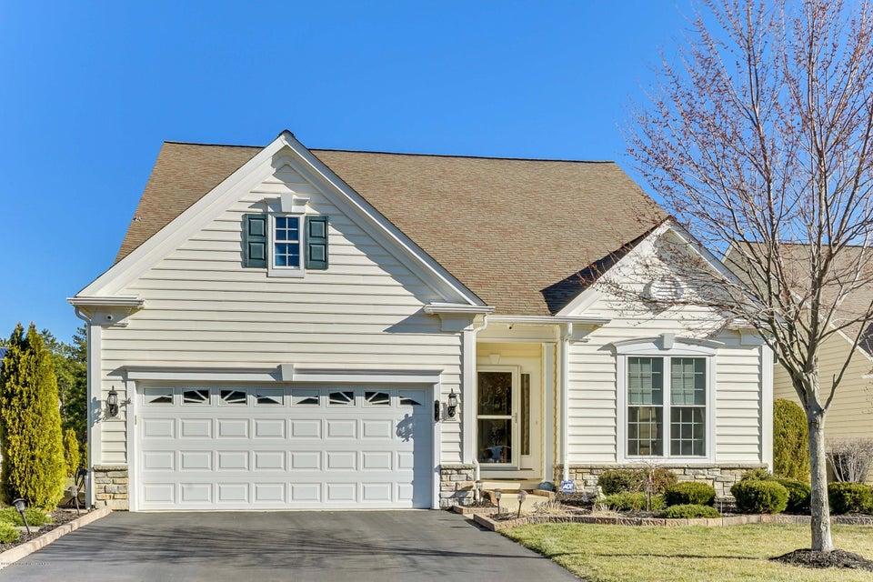 独户住宅 为 销售 在 3 Radcliffe Lane 曼彻斯特, 08759 美国