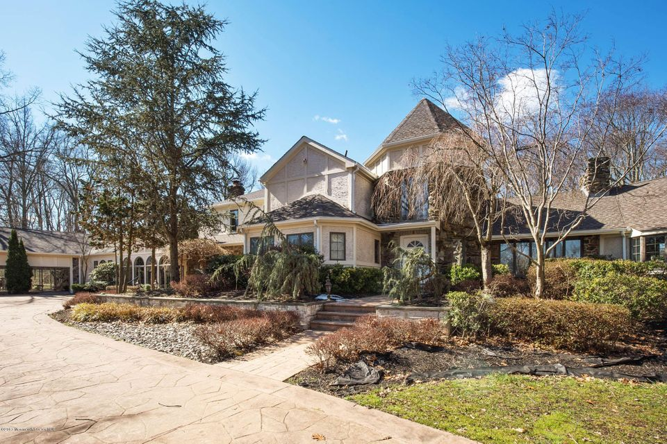 Single Family Home for Sale at 10 Tudor Lane Moorestown, New Jersey 08057 United States