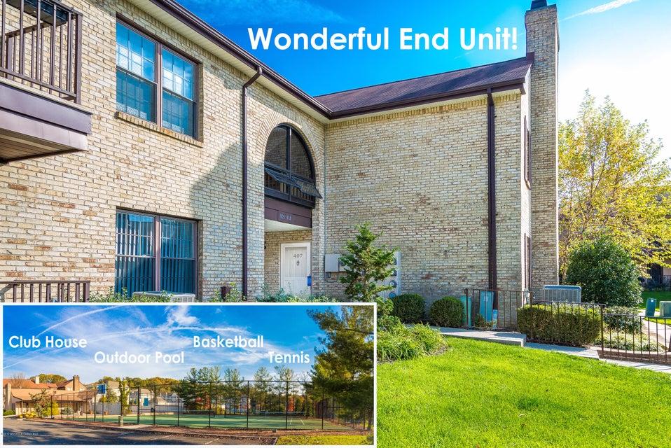 Appartement en copropriété pour l à louer à 407 Wellington Place Aberdeen, New Jersey 07747 États-Unis