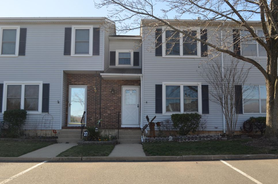Single Family Home for Sale at 25 Brookview Circle Jamesburg, New Jersey 08831 United States