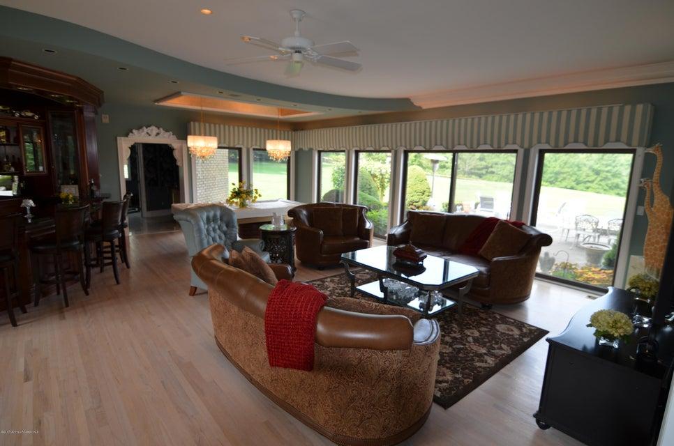 Additional photo for property listing at 10 Colts Gait Lane  Colts Neck, Nueva Jersey 07722 Estados Unidos
