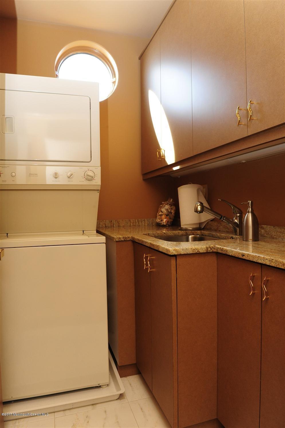Washroom Master Suite