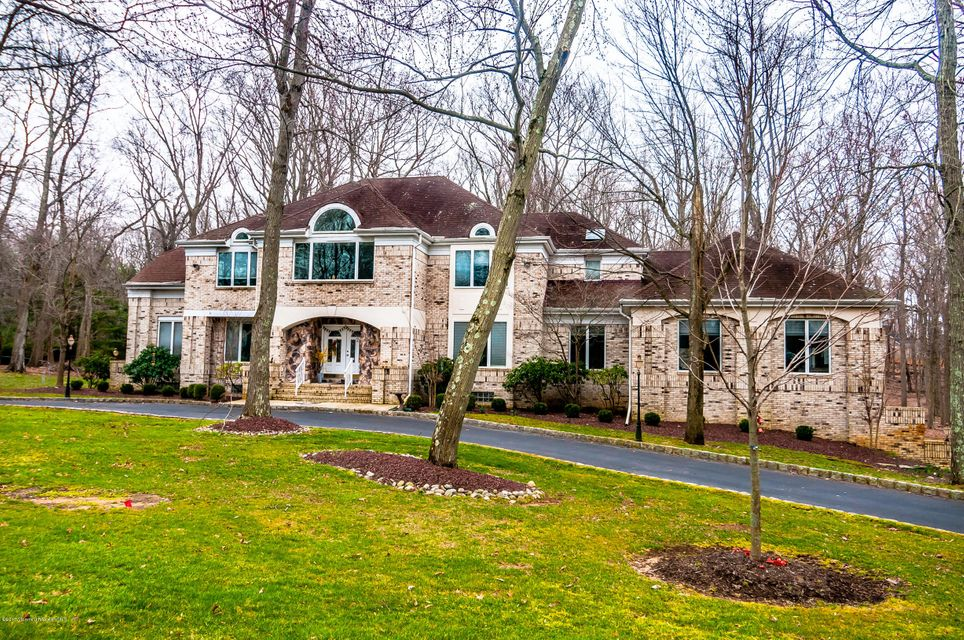 Single Family Home for Sale at 2 Precedent Place Manalapan, 07726 United States