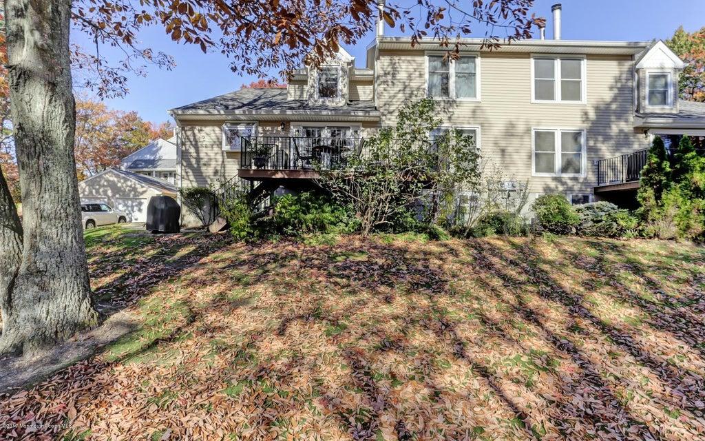 Appartement en copropriété pour l à louer à 35 Maple Lane Brielle, New Jersey 08730 États-Unis