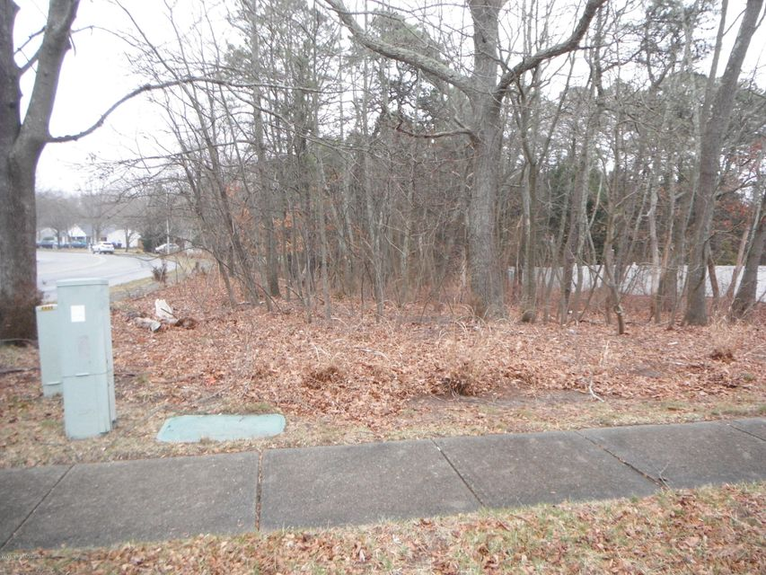 Additional photo for property listing at 188 Shenandoah Boulevard 188 Shenandoah Boulevard Toms River, 뉴저지 08753 미국