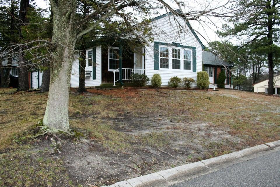 Casa Unifamiliar por un Alquiler en 4a Penwood Drive Whiting, Nueva Jersey 08759 Estados Unidos