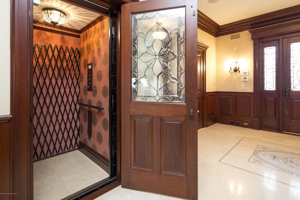 02_Elevator