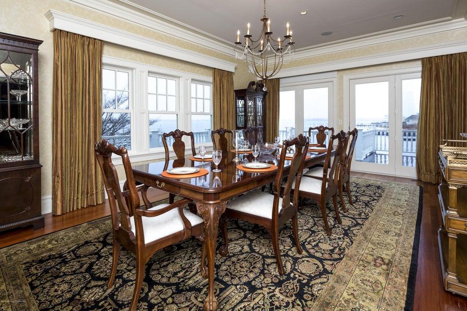 06_Dining Room