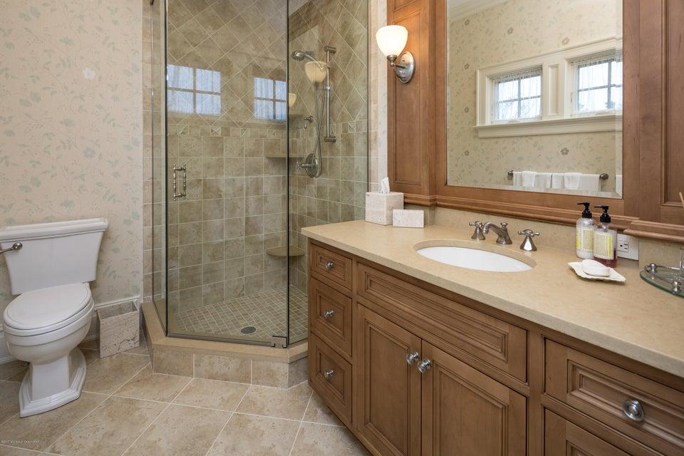 08_Bathroom