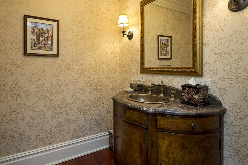 35_bathroom-3