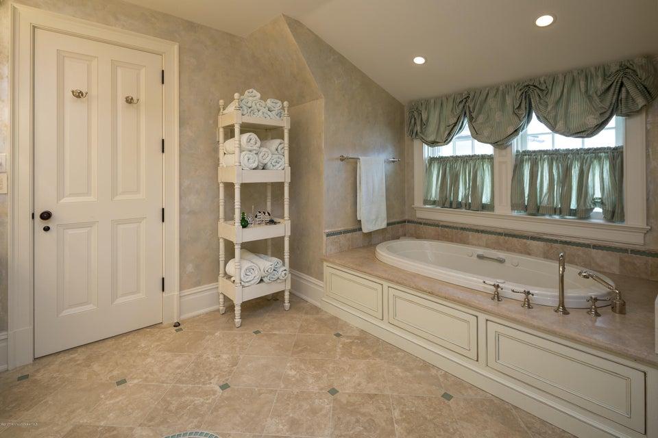 39_Bathroom-4