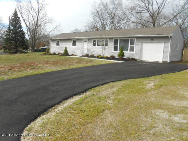 Additional photo for property listing at 22 Clark Drive  Howell, Nueva Jersey 07731 Estados Unidos