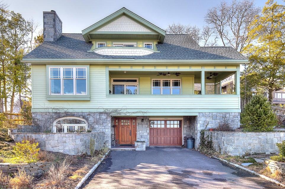 Maison unifamiliale pour l Vente à 510 North Boulevard Lake Como, New Jersey 07719 États-Unis