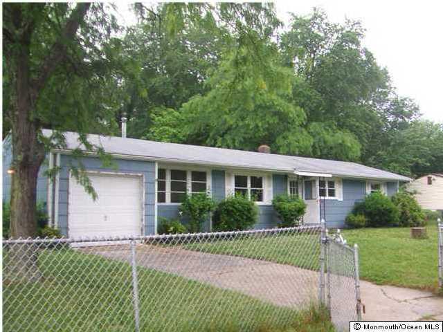 Maison unifamiliale pour l à louer à 11 Carol Lane Howell, New Jersey 07731 États-Unis