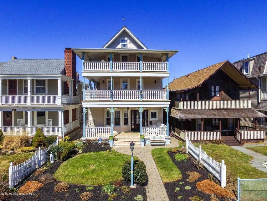 独户住宅 为 销售 在 11 Pitman Avenue Ocean Grove, 07756 美国