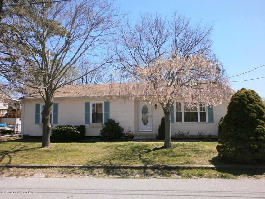 Single Family Home for Rent at 421 Mermaid Avenue Beachwood, New Jersey 08722 United States