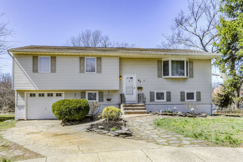 House for Sale at 87 Lynn Court Belford, New Jersey 07718 United States