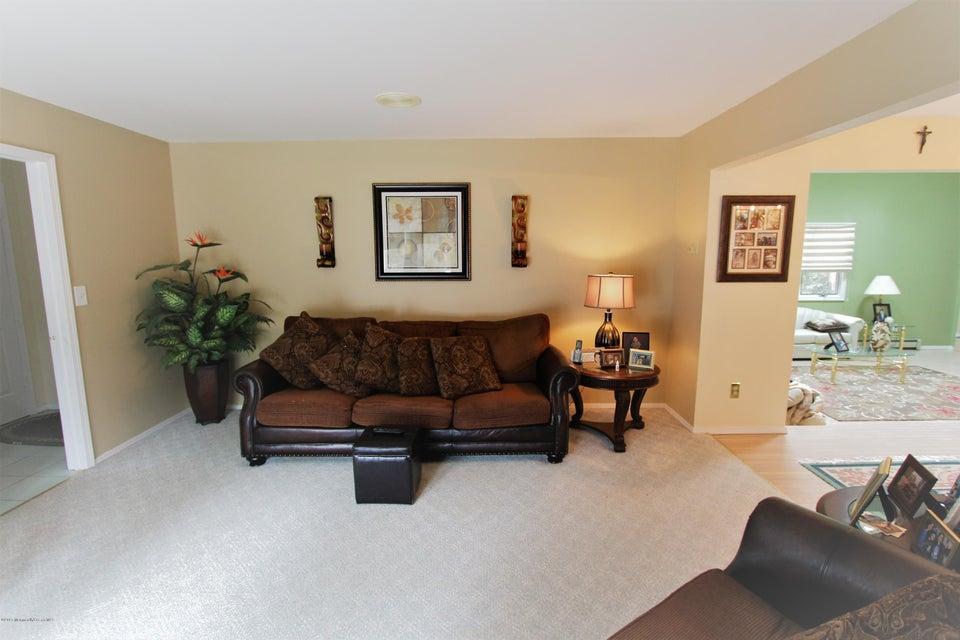 Additional photo for property listing at 510 Birch Street 510 Birch Street Bayville, New Jersey 08721 Stati Uniti