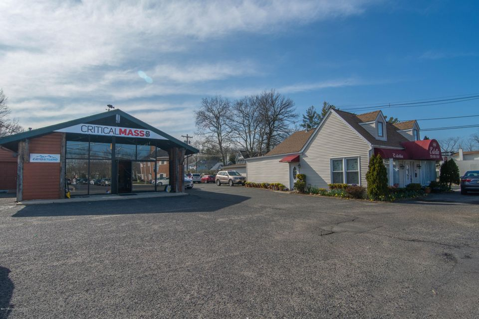 Commercial for Sale at 468 Broad Street Shrewsbury, New Jersey 07702 United States