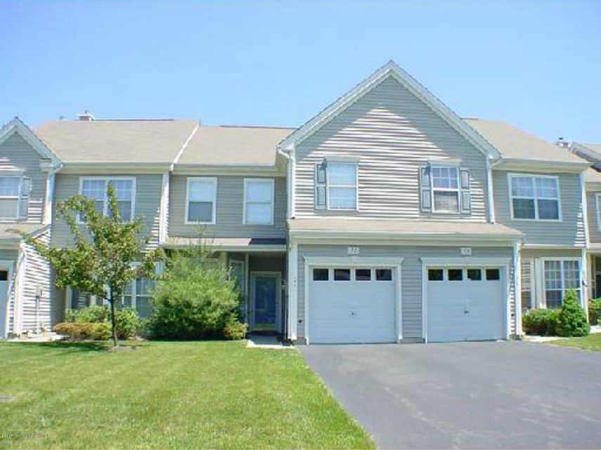 Maison unifamiliale pour l Vente à 21 Tall Oaks Court Parlin, New Jersey 08859 États-Unis