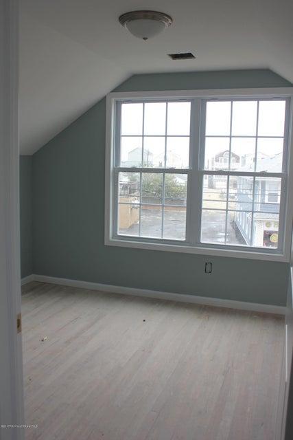 Additional photo for property listing at 231 Ocean Avenue  波因特普莱森海滩, 新泽西州 08742 美国