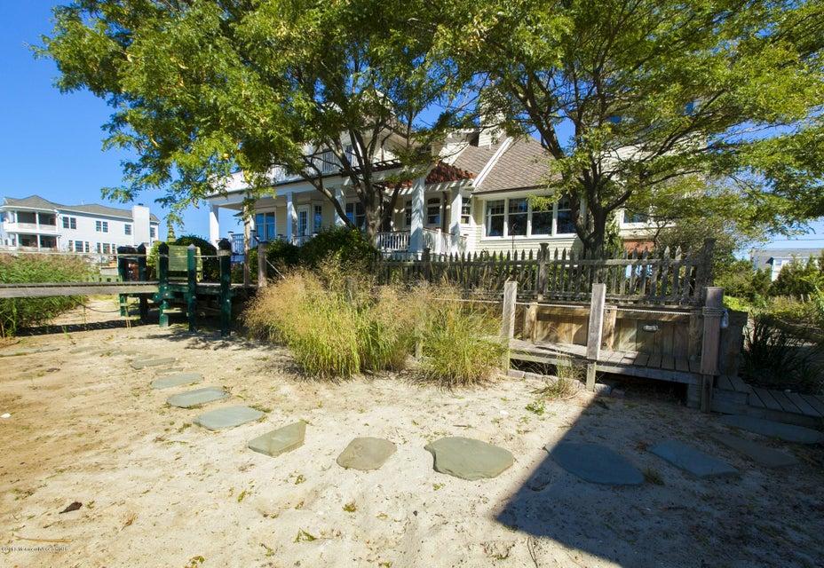 136 Ocean Ave. Monmouth beach_279-13