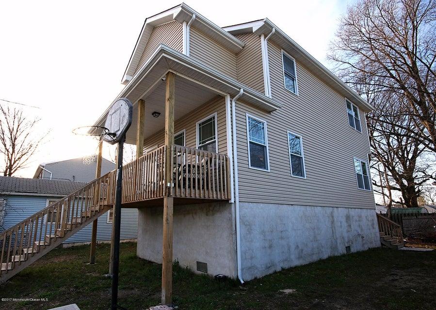 独户住宅 为 销售 在 143 Maple Avenue 肯斯堡市, 新泽西州 07734 美国