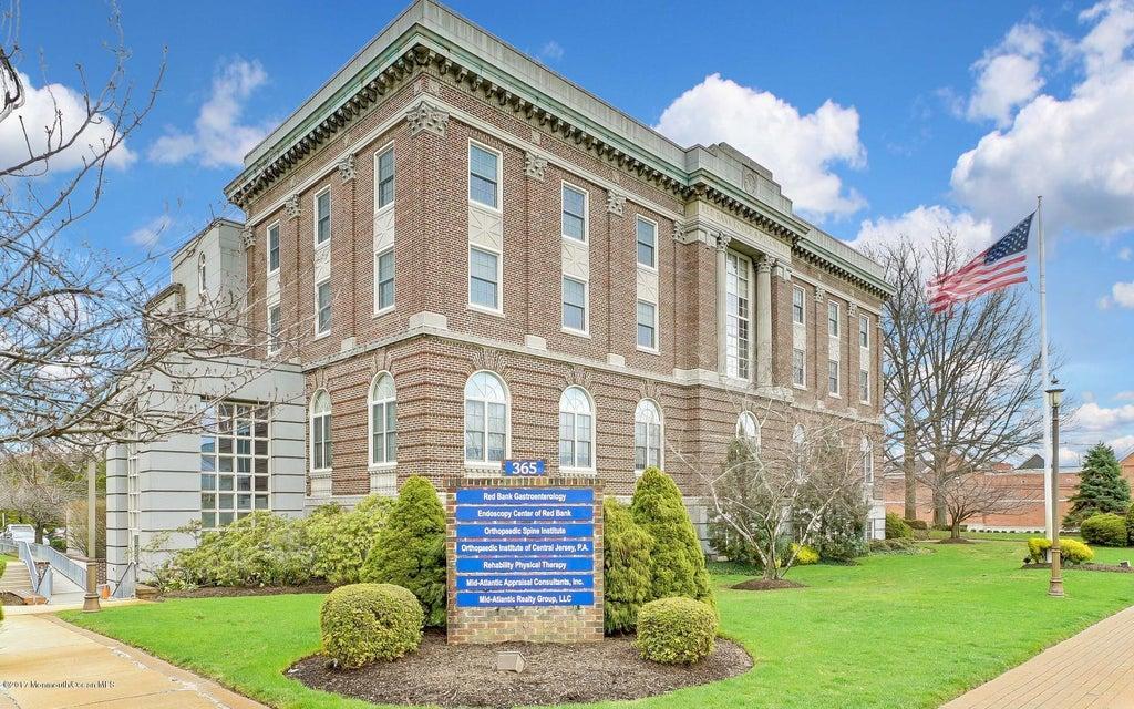 Thương mại vì Bán tại 365 Broad Street 365 Broad Street Red Bank, New Jersey 07701 Hoa Kỳ