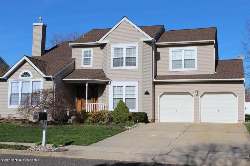 Single Family Home for Sale at 92 Jennifer Lane Burlington, New Jersey 08016 United States