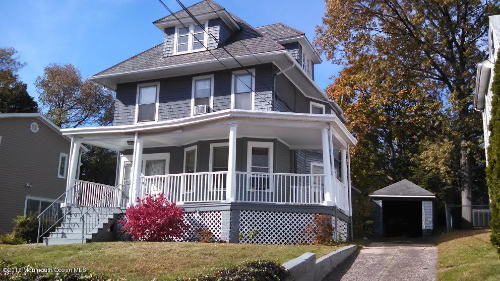 Частный односемейный дом для того Продажа на 82 Reid Avenue Passaic, Нью-Джерси 07055 Соединенные Штаты