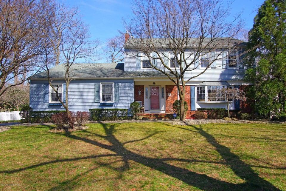 独户住宅 为 销售 在 70 Galloping Circle 贝尔福德, 07718 美国