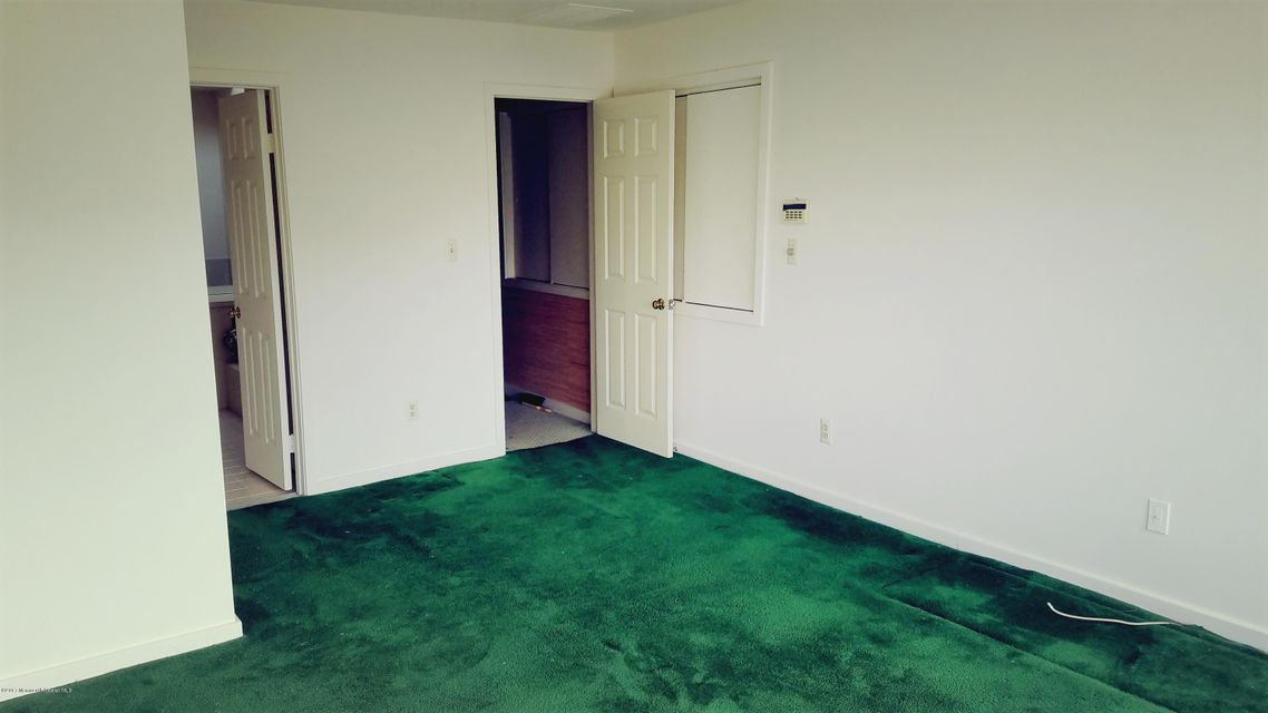Additional photo for property listing at 845 Arnold Avenue  Point Pleasant, Nueva Jersey 08742 Estados Unidos