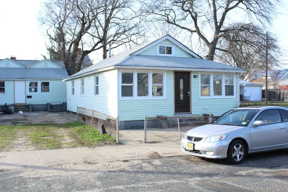 Single Family Home for Rent at 169 Center Avenue Keansburg, New Jersey 07734 United States
