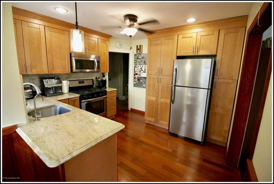 Maison unifamiliale pour l Vente à 55 Nelson Avenue Piscataway, New Jersey 08855 États-Unis