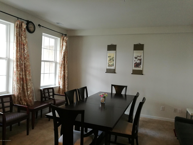 Casa Unifamiliar por un Venta en 2102 Ethan Lane Highland Park, Nueva Jersey 08904 Estados Unidos