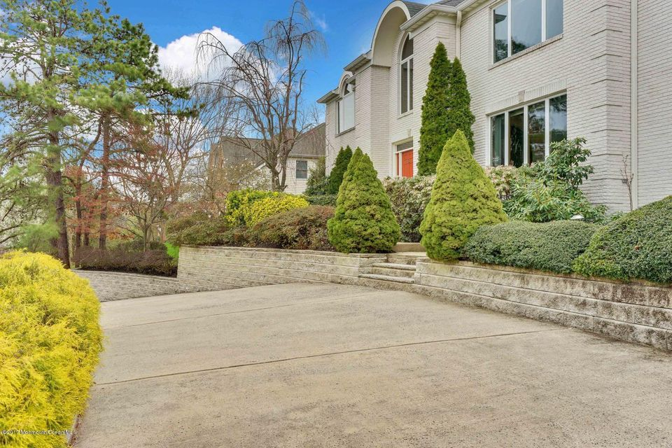 Additional photo for property listing at 16 Brandywine Road 16 Brandywine Road Ocean Township, 뉴저지 07712 미국