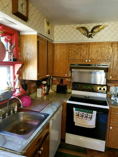 kitchen, SS sink, dishwasher, stove