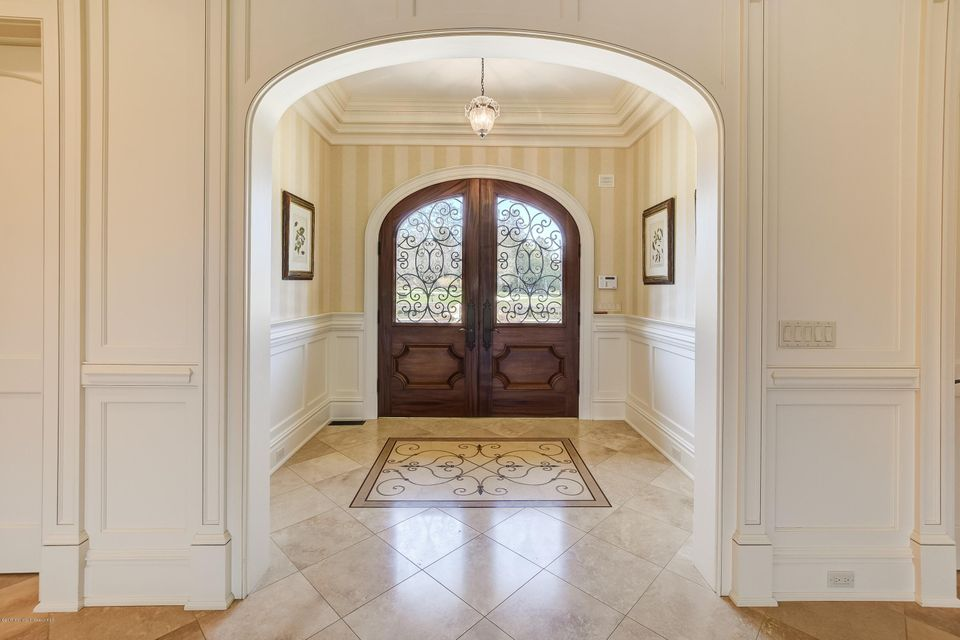 014_Front Entry
