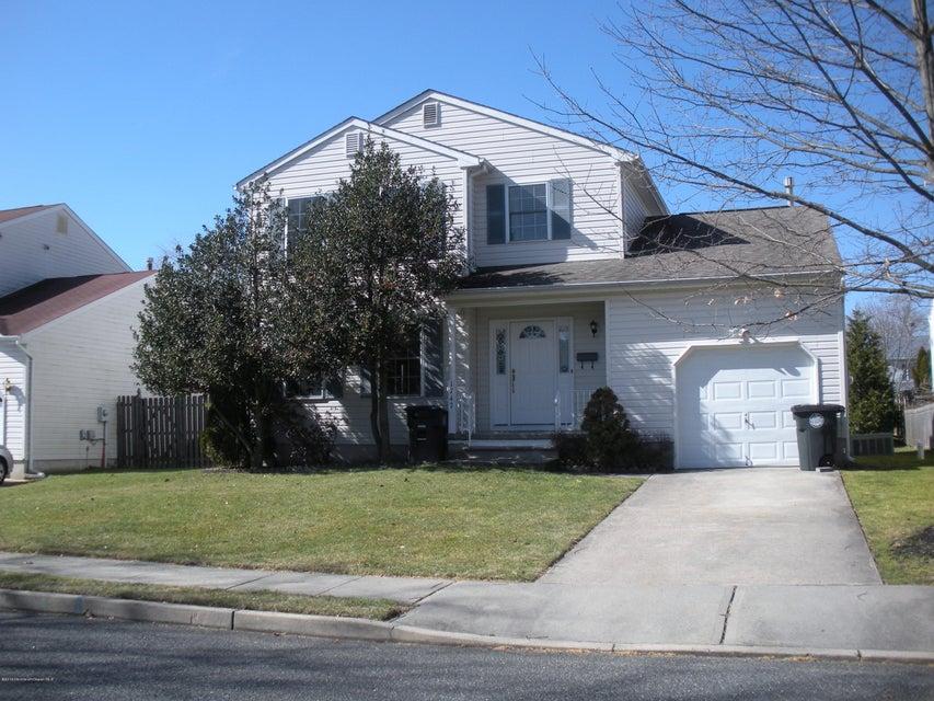 独户住宅 为 出租 在 1747 Bellewood Avenue 沃尔, 新泽西州 07719 美国